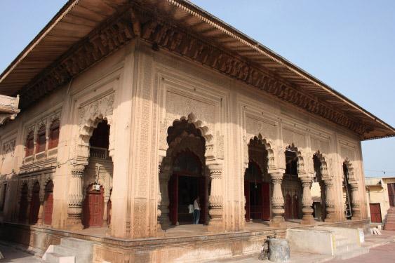 Laxmana Temple