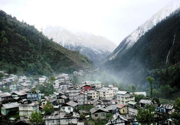 Lachung Holiday Package