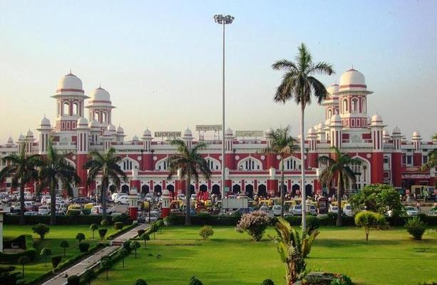 Lucknow Tour Package