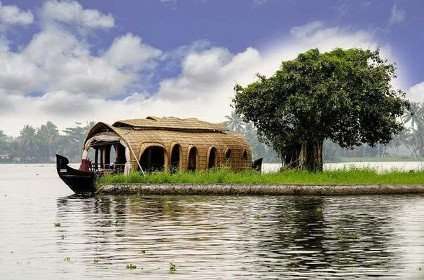 Kumarakom Honeymoon Packages