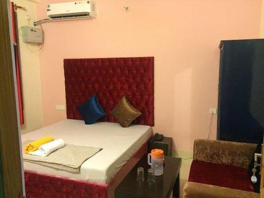 Bonfire Hotels  Rishikesh